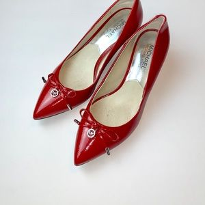 MICHAEL KORS RED POINTED HEELS